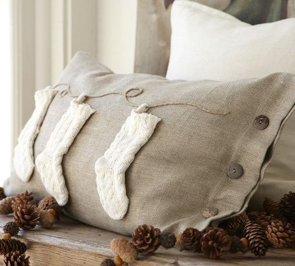 Украсить своими руками подушку