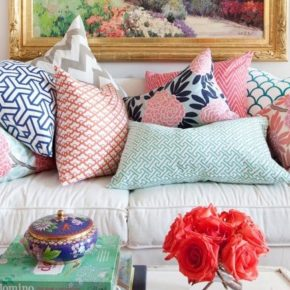 10 советов как украсить интерьер с помощью декоративных подушек