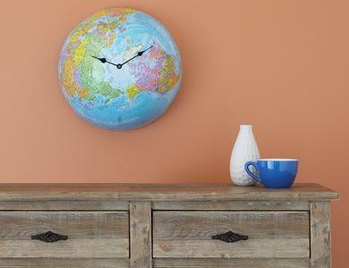 Карта мира в интерьере фото 22