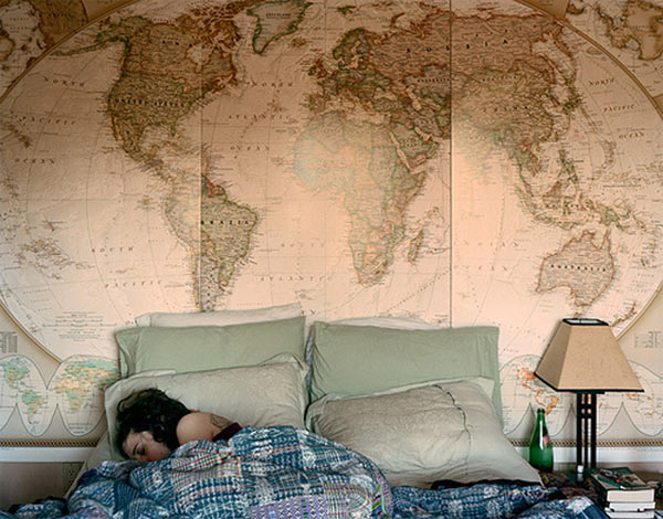 Карта мира в интерьере фото 39