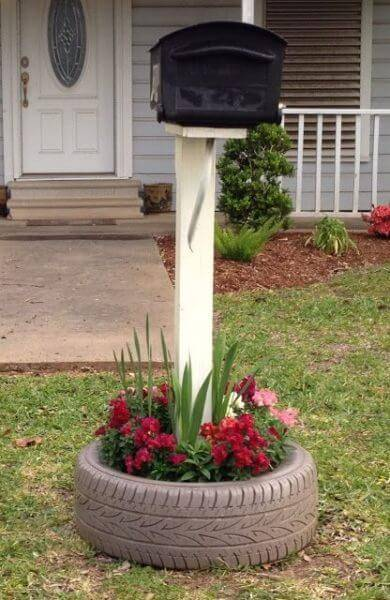 Flower beds of tires photo 01