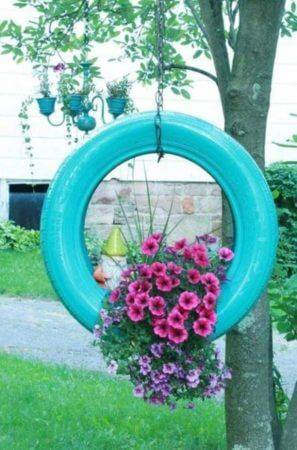 Flower beds of tires photo 04