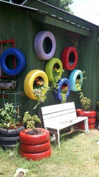 Flower beds of tires photo 08