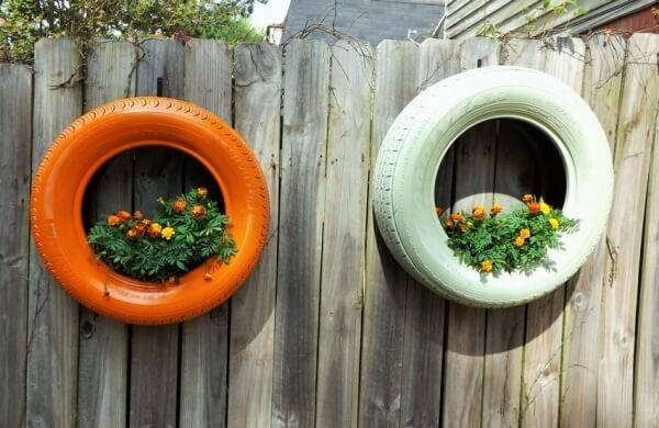 Flower beds of tires photo 42