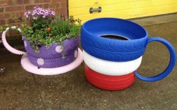 Flower beds of tires photo 40