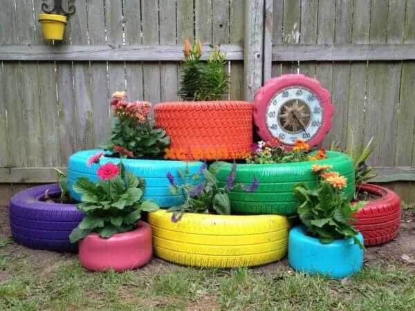 Flower beds of tires photo 46