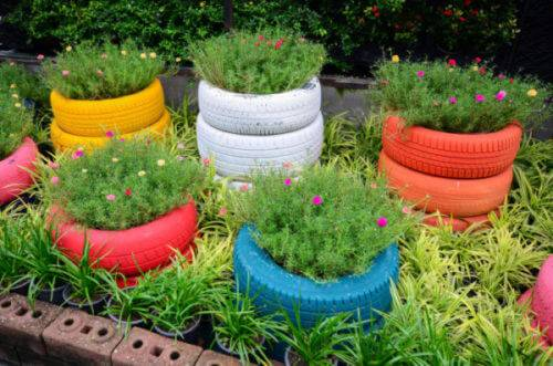 Flower beds of tires photo 22