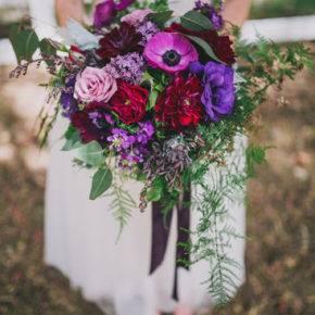 букет невесты с фиолетовыми цветами фото 017