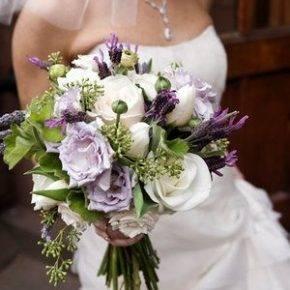 букет невесты с фиолетовыми цветами фото 018