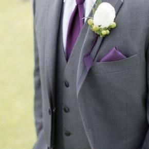 фиолетовая свадьба костюм жениха фото 038