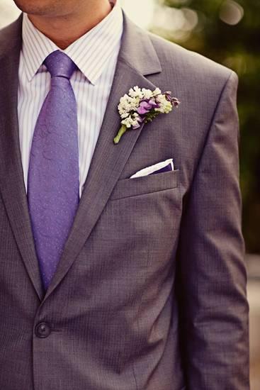 фиолетовая свадьба костюм жениха фото 040