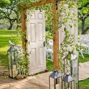 свадьба в стиле рустик арка фото 007