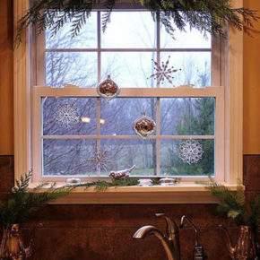как украсить окно на новый год фото 29