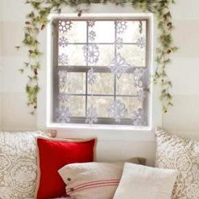 как украсить окно на новый год фото 31